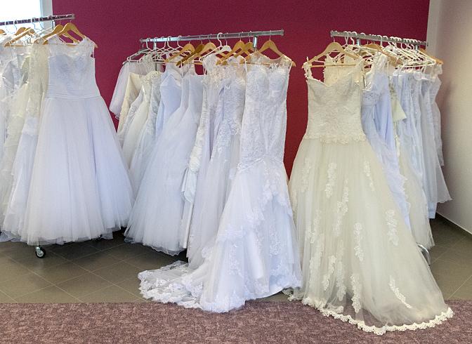 Svatební šaty cbcb81302d